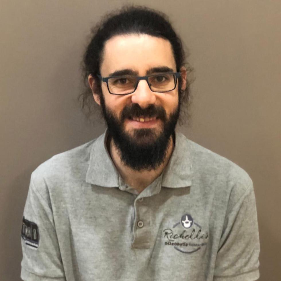 José Antonio Valero - Fisioterapeuta y Osteópata en Clínica Richelli's Osteopatía y Fisioterapia