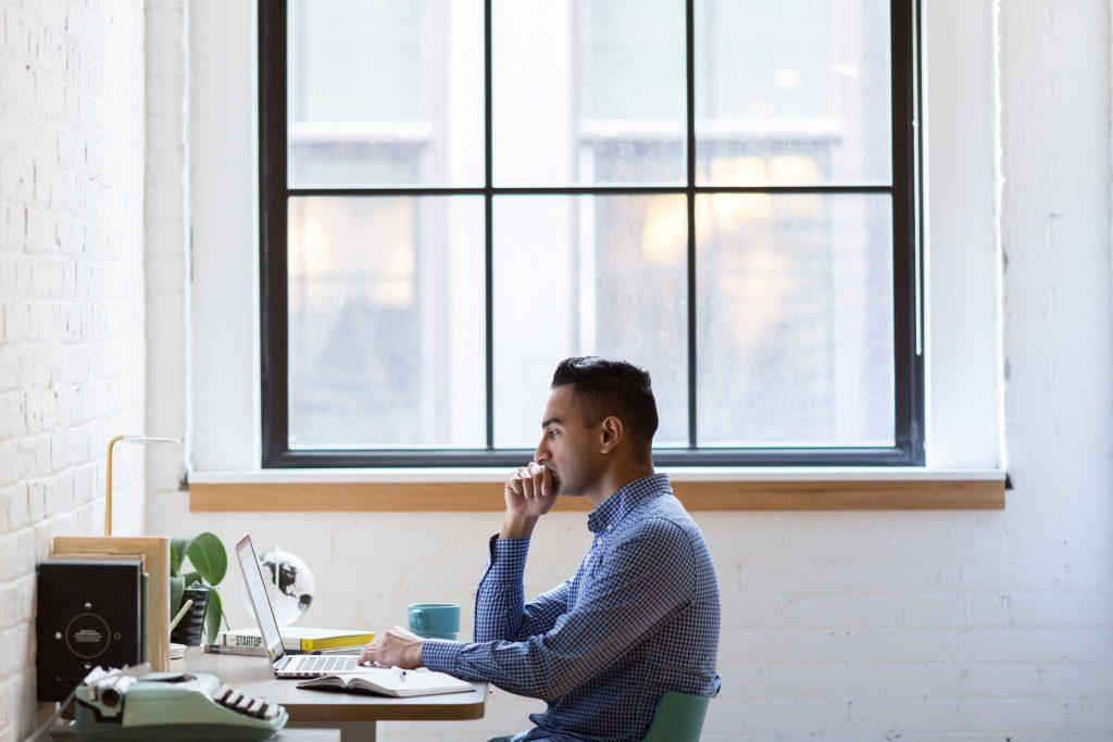 Consejos para mejorar la higiene postural en la oficina