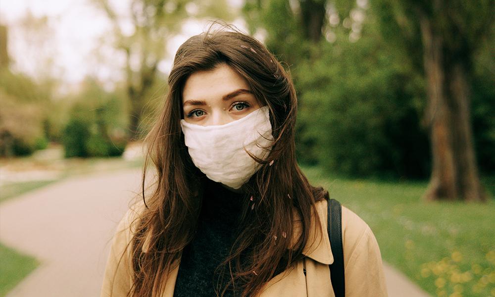 Cómo tratar el acné producido por la mascarilla.